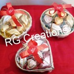 Code RGCP-0128,Baskets filled with heart shape & lips shape chocolates for your Valentine